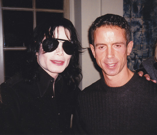 Michael Jackson and Peter Staley, 1998